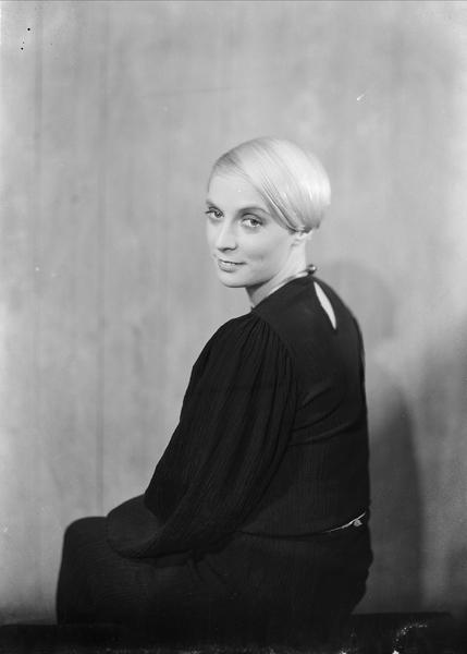 Lulu Ziegler, 1934. Foto: Ernest Rude (1871-1948). Oslo Museum (OB.RP19220b)
